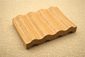 Small Curved Grooved Soap Dish